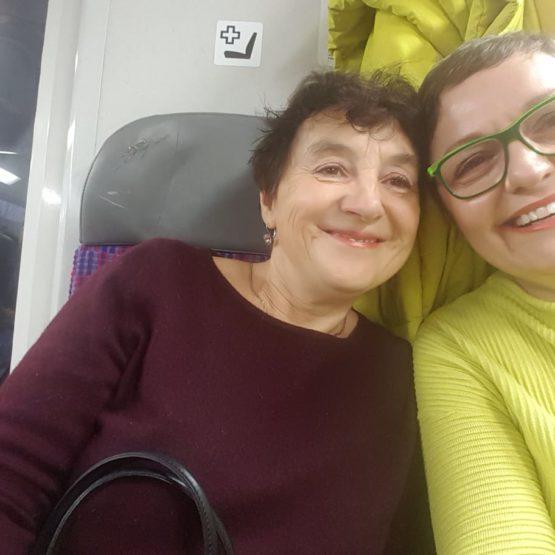 Moje první, neopakovatelná a nezapomenutelná lékárenská praxe byla s Drahuškou Kamlerovou.Z řadové magistry se stala nejlidštější šéfovou a majitelkou lékárny.Setkání po letech