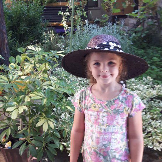 Moje zástupkyně - neteř Denda, co zná hlavní bylinky a jejich použití